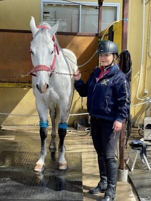 華原朋美の激太り画像,2020年2月乗馬