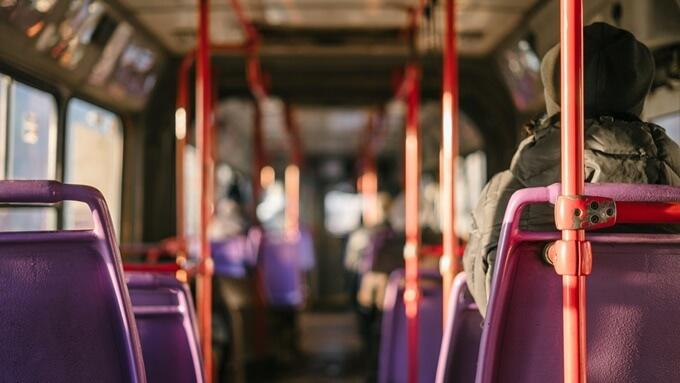 バスの車内画像